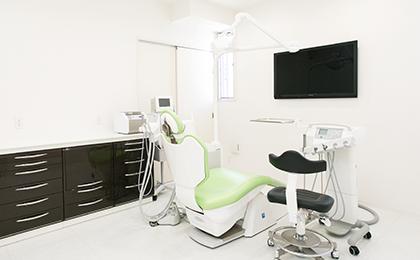 最新の歯科用CT・オペ室を完備