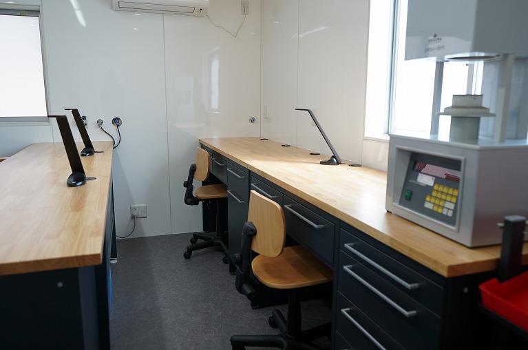 当院は院内に技工所を併設しています