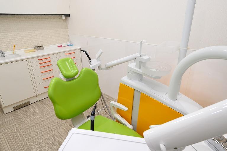 保険の入れ歯も自費の入れ歯も完成後の微調整が重要です